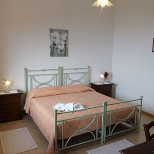 Lodging: Casa Lantana, twin bedroom or double bedroom