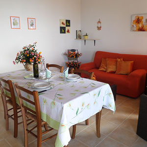 Lodging: Casa Lantana, kitchen-living room